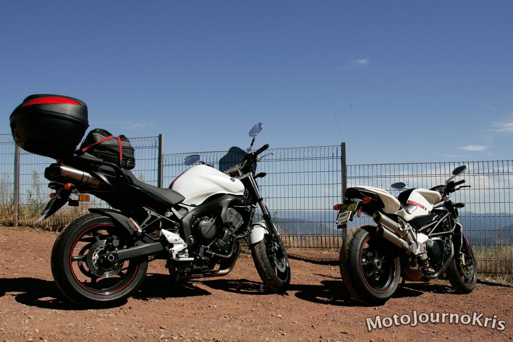 My Yamaha FZ6N at Thunderbolts Way lookout