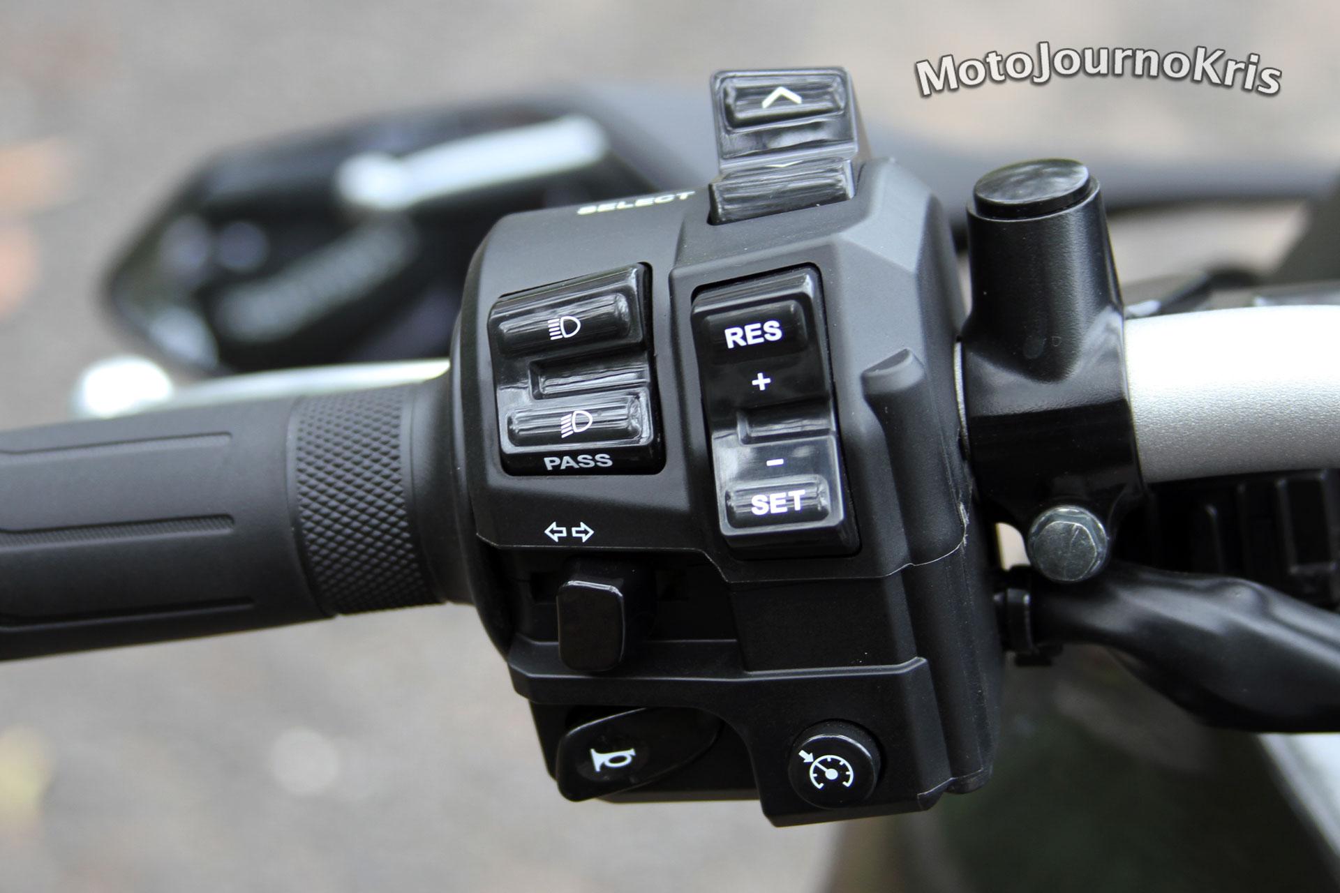 2018 Yamaha Niken - Moto Journo Kris