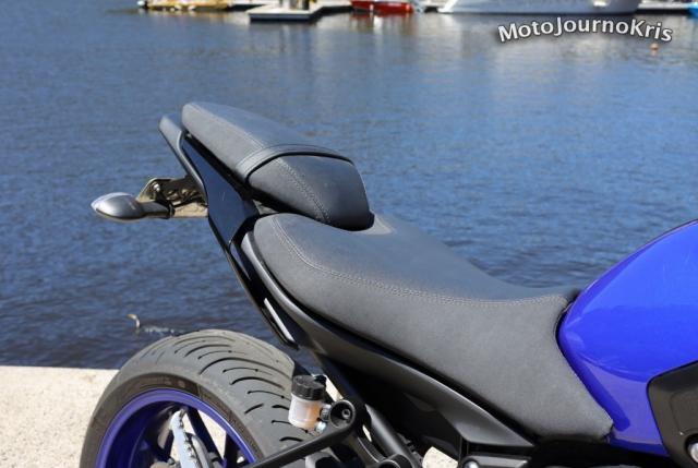 Yamaha MT-07 rider and pillion seat