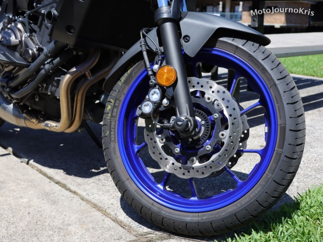 Yamaha MT-07 front wheel and four-piston caliper
