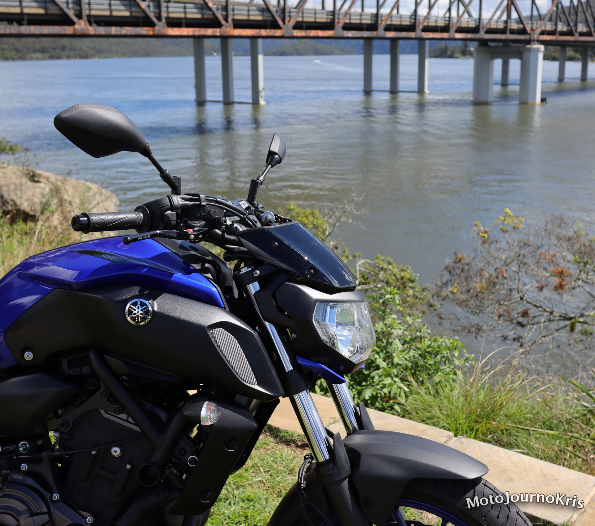Yamaha MT-07 with screen installed