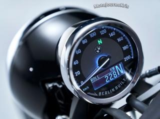 2020 BMW R 18 cruiser analogue dash with digital readout