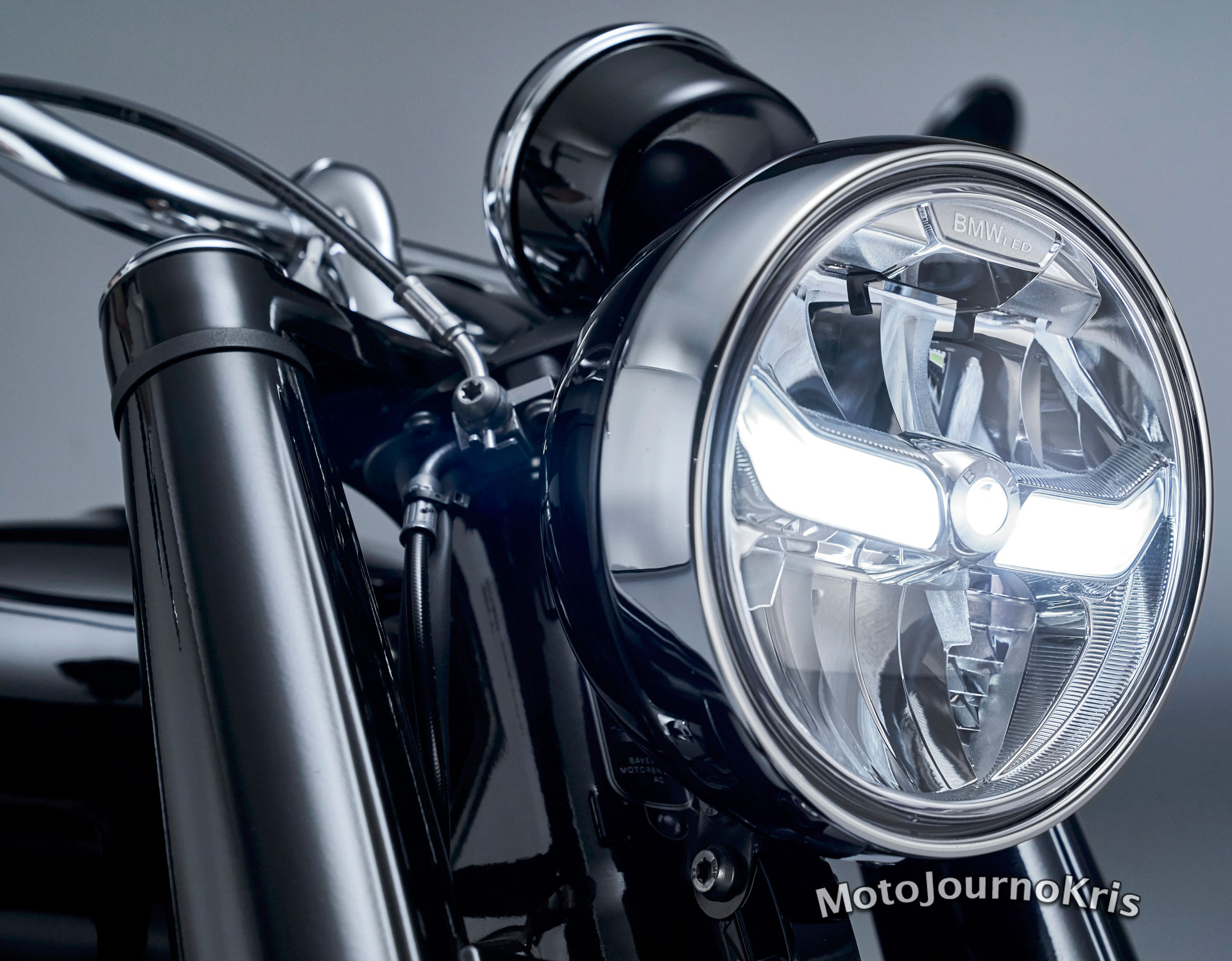 2020 BMW R 18 cruiser LED headlight