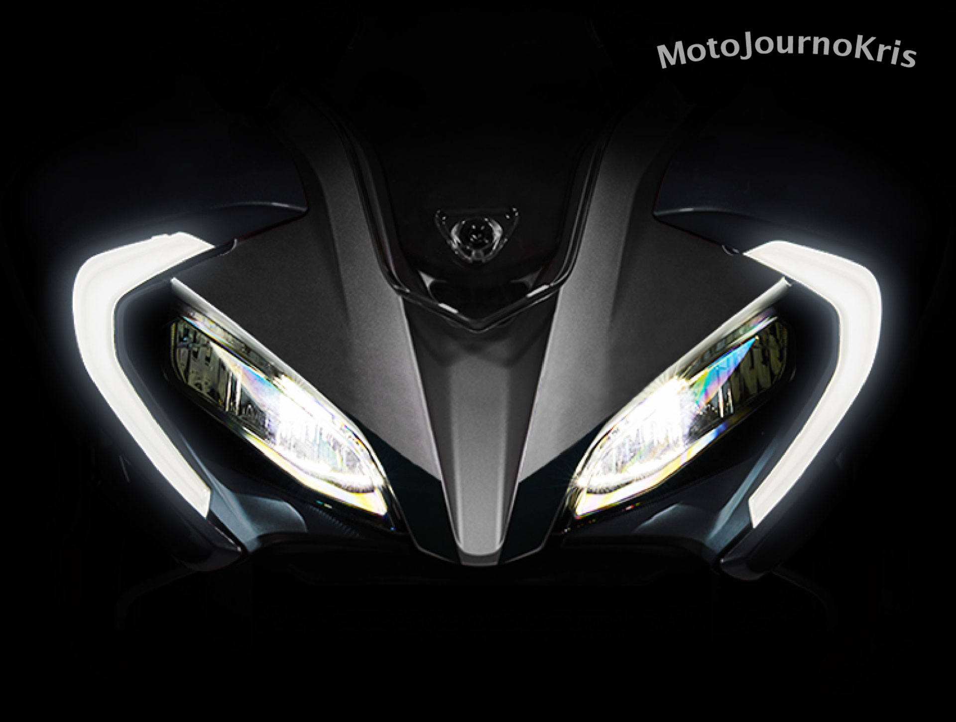 2020 CFMoto 300SR sportsbike LED headlights and lights