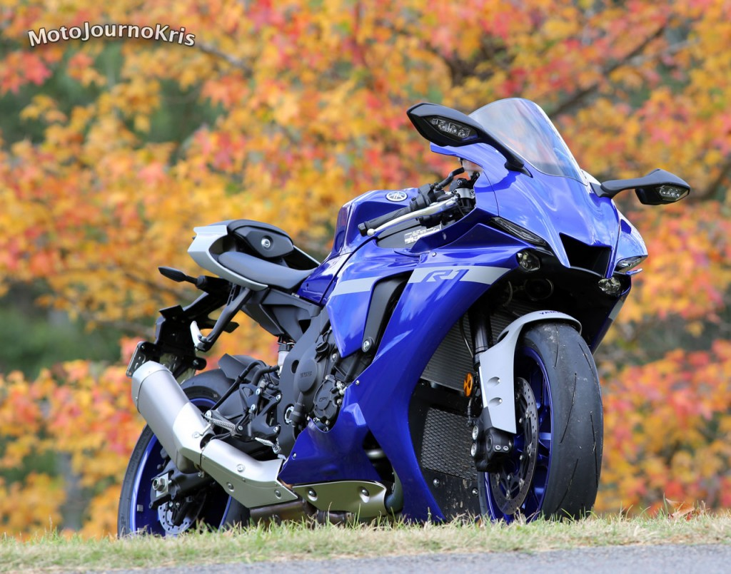 2020 Yamaha YZF-R1 Quick Test Video Review